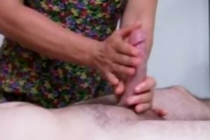 wife gives outstanding tugjob
