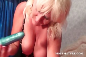 blond aged tramp licking her large pointer sisters