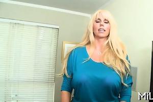 breasty hottie plays wonderfully