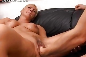 blondie older having pussy fisted hard