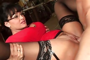 stylish large titted d like to fuck hoe receives