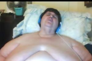 big beautiful woman granny masturbating on webcam