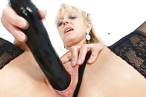 old golden-haired d like to fuck stuffing snatch