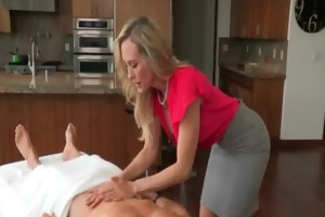 taylor whyte and brandi love sharing weenie on