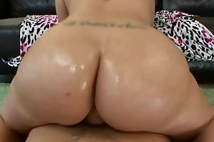hawt redhead mother i kelly divine takes a giant