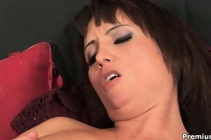 bizarre d like to fuck sophia enjoys her pierced